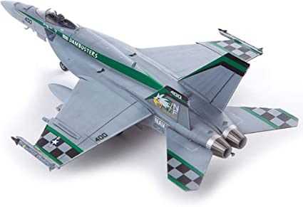Academy USN F//A-18E VFA-195 Chippy Ho in 1:72 Academy 12565   .