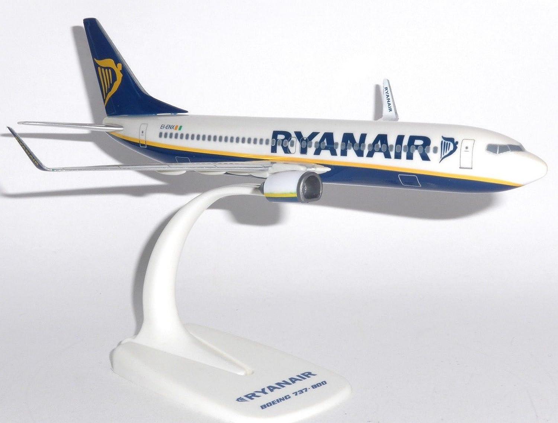 Boeing 737-800 Ryanair Ireland Snap Fit Collectors Model Scale 1:200 EI-ENX PPC B737-800FR