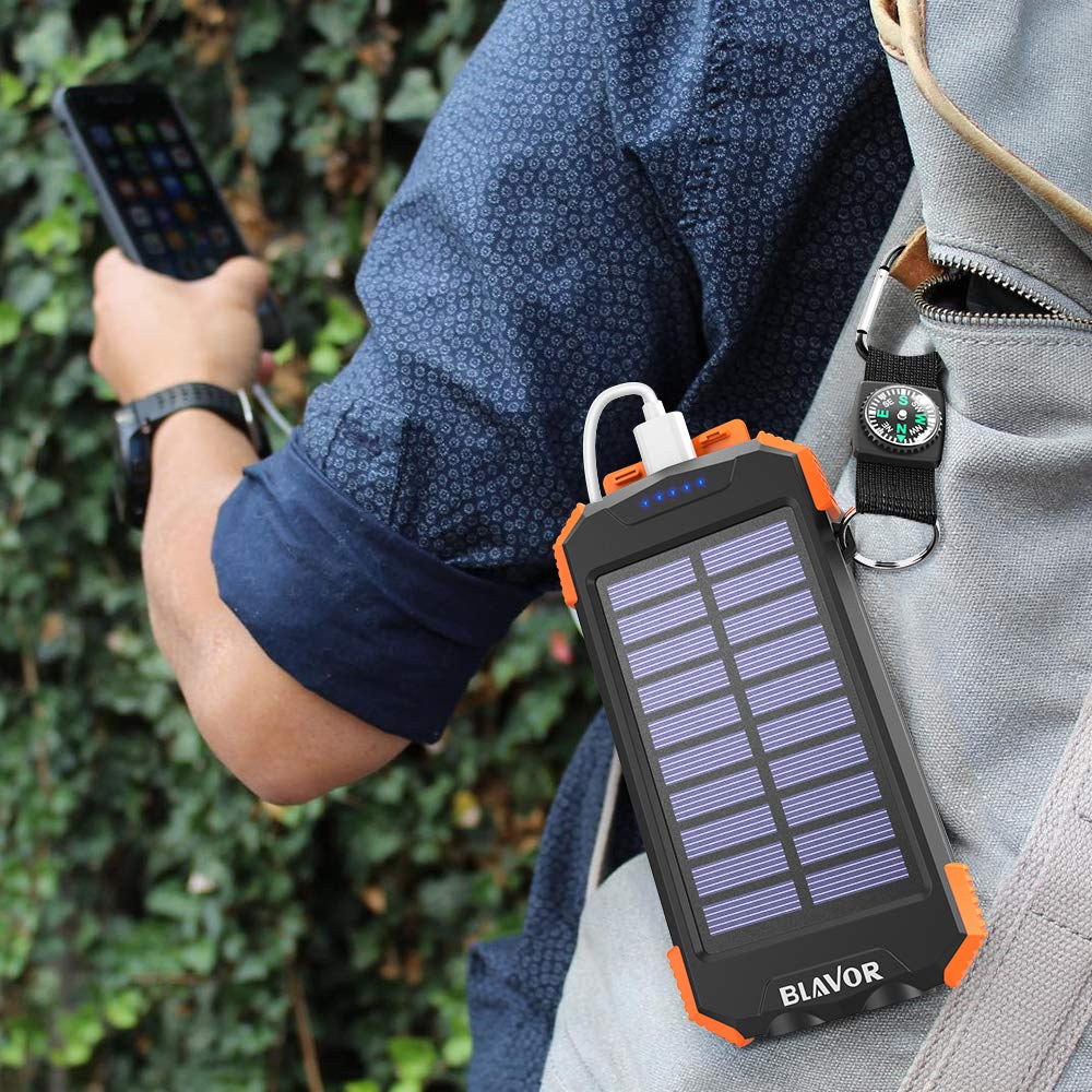 Solar-powered battery pack from Blavor