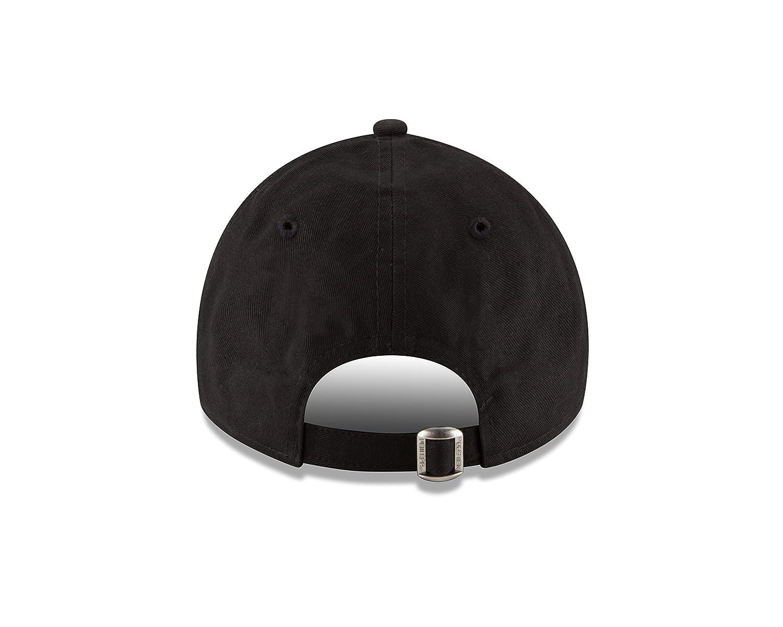 ad5423cf Amazon.com: Philadelphia Eagles New Era Super Bowl LII Champions 9TWENTY  Adjustable Hat: Clothing