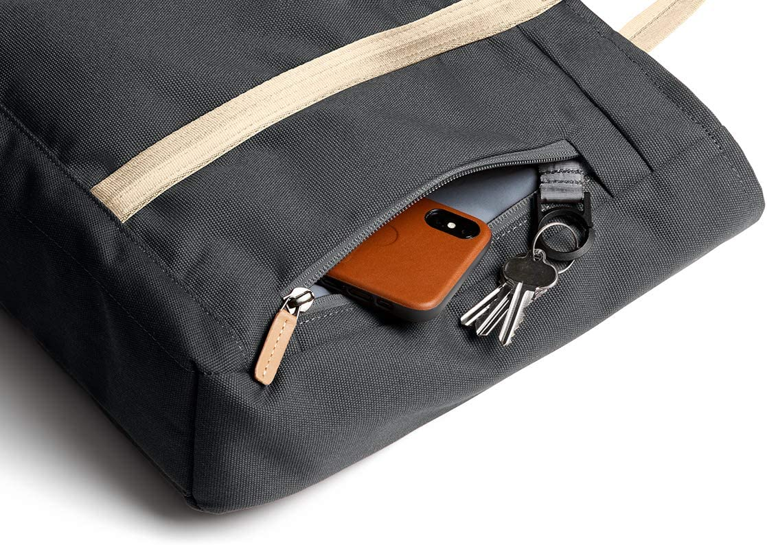 "Bellroy Classic Tote, Borsa impermeabile in tessuto per notebook (15 litri, notebook da 15"") - Red Ochre Charcoal - Recycled"