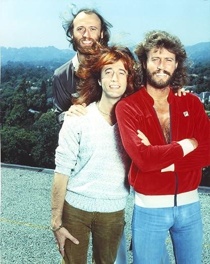 Bee Gees Band Members - Camisa blanca con pantalones marrones ...