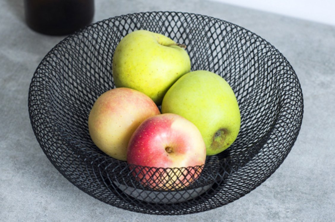 Landtom Creative Iron Fruit Bowls/Fruit Basket/ Fruit Holder/Snack Storage,network shape, black.