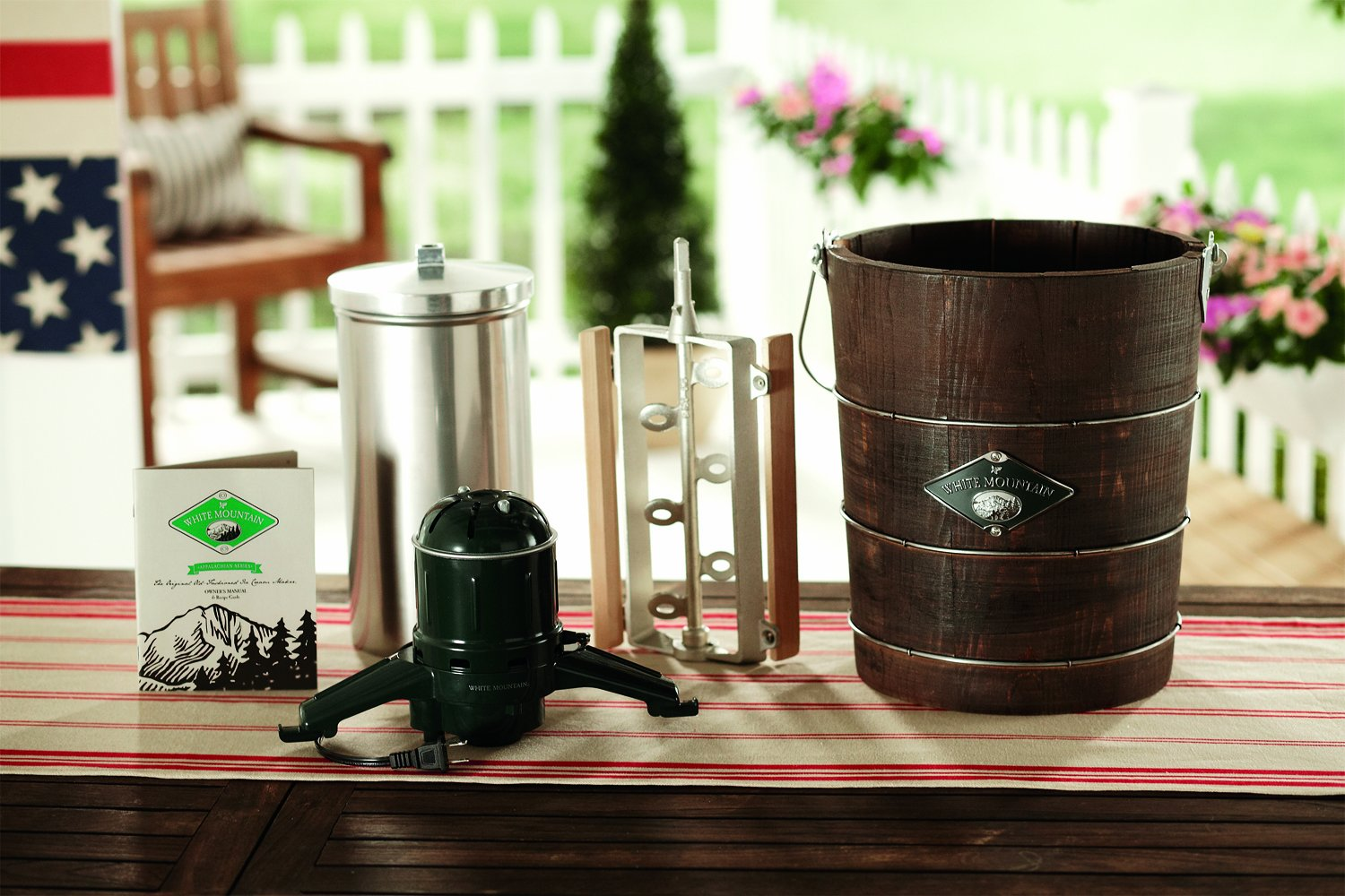 White Mountain PBWMIME412-SHP Appalachian Series Wooden Bucket 4-Quart Electric Ice Cream Maker by White Mountain (Image #5)