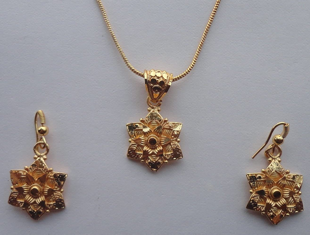Buy Traditional Indian Pendant Set With Modern Design Hand Made
