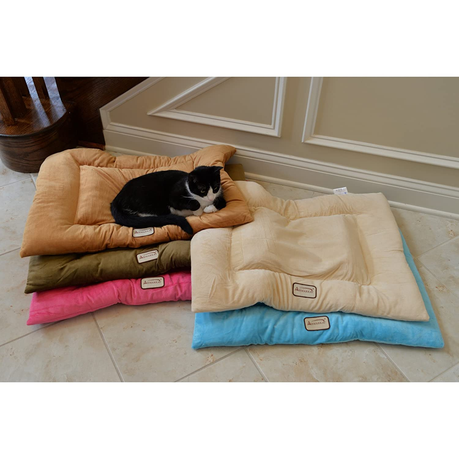 Amazon.com : Armarkat Pet Bed Mat 27-Inch by 19-Inch by 2.5-Inch M01-Medium, Beige : Crate Pad : Pet Supplies
