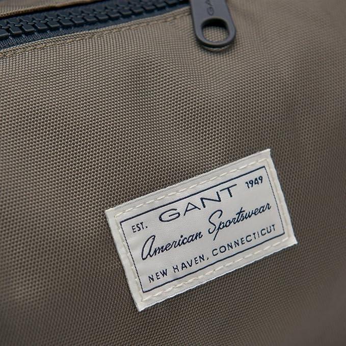 279d6a8709 GANT Classic Wash Bag S/S 18 Kalamata Green One Size: Amazon.co.uk: Clothing