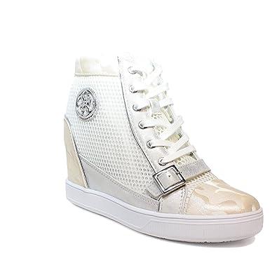 4098a9393994 Guess Baskets modèle Femme avec Coin intérieur Blanc Article FLIOE1 FAM12 White  Nouvelle Collection Printemps été 2018 (37)  Amazon.fr  Chaussures et Sacs
