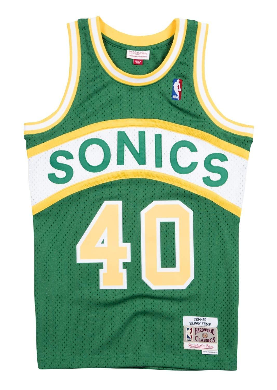 c5a2a48f3a7 Amazon.com   Mitchell   Ness Shawn Kemp 1994-95 Seattle Supersonics Road  Swingman Jersey Men   Sports   Outdoors