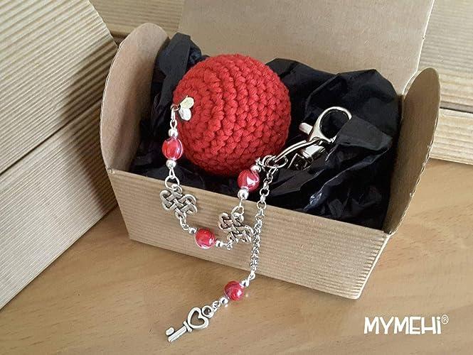 """Llavero o colgante para bolso o mochila""""Cuore"""": crochet rojo intenso con abalorios"""