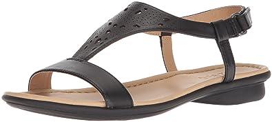 b79675537d71 Amazon.com  Naturalizer Women s Windham Flat Sandal  Shoes
