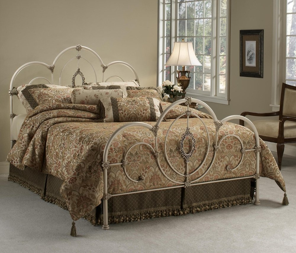 Amazon Com Hillsdale Furniture 1310bkr Victoria Bed Set With Rails King Antique White Kitchen Dining