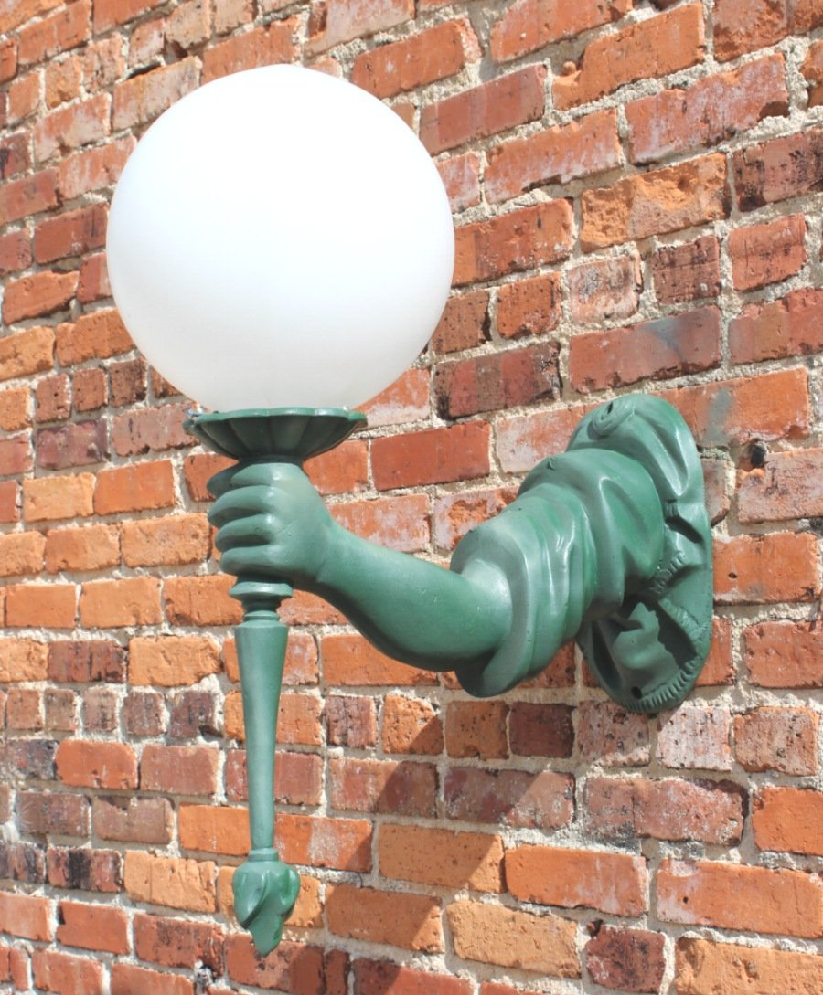 Outdoor Wall Light Sconce Fixture antique styl ARM lady liberty torch bearing