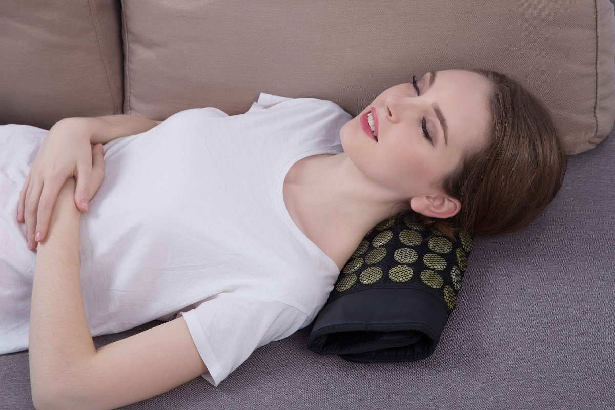 """UTK® Far Infrared Natural Jade&Tourmaline Heating Pad for Pain Relief, Small Pro (23.5""""X16"""") by UTK (Image #3)"""