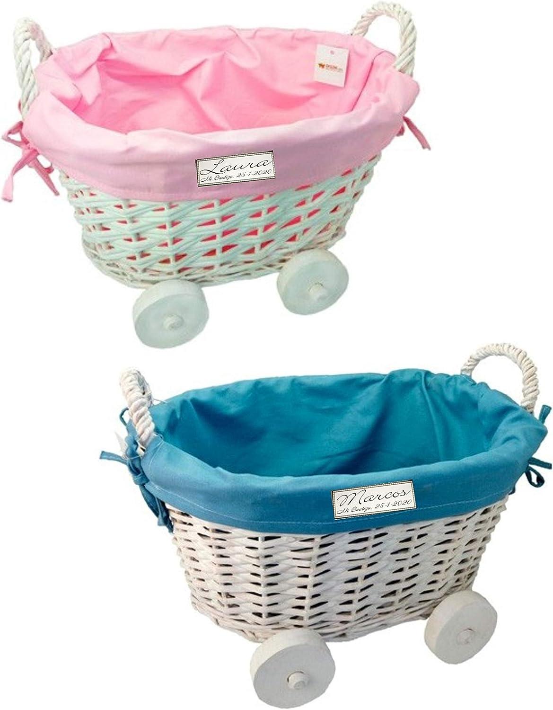 Cesta mimbre con ruedas para regalos detalles invitados bautizo niña o niño GRABADA