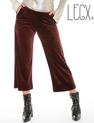 Pantalón VELVET GRANATE de terciopelo elástico. Cintura con goma interior muy adaptable y cómoda. 2 bolsillos.Largo 82 cm (talla XS/S) 84 (M/L). LEGX-Made in Spain