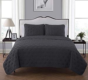 Victoria Classics Kaleidoscope Quilt and Pillow Shams Set, King, Grey - KLI-3QT-KING-IN-NQ
