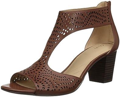 1d83050f2d67 Clarks Women s s Deloria Liv Pump  Amazon.co.uk  Shoes   Bags