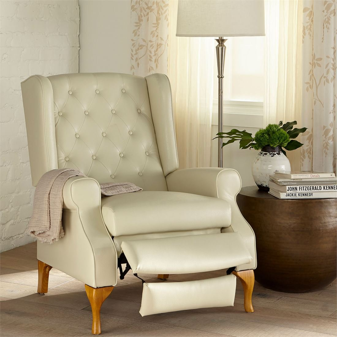 Amazon.com: Brylanehome Queen Anne Style Tufted Wingback Recliner  (Ivory,0): Kitchen U0026 Dining
