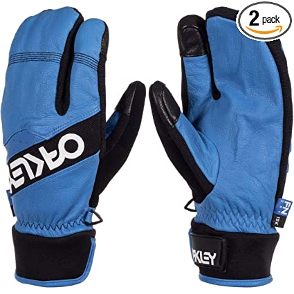 1cc62f497a0a7 Image Unavailable. Image not available for. Color  Oakley Factory Winter  Trigger 2 Men s Snowboarding Mitten ...