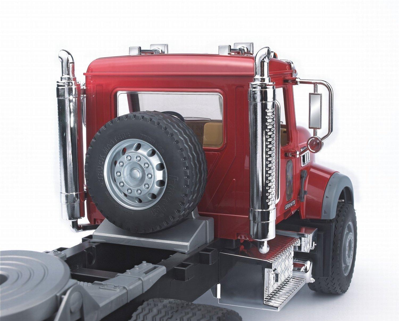 BRUDER Camion de transport MACK rouge avec tractopelle JCB 4CX jaune BD1269 02813