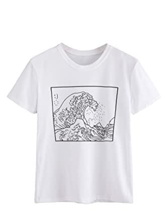 a0456df54d2 Amazon.com  Romwe Women s Short Sleeve Top Casual The Great Wave Off  Kanagawa Graphic Print Tee Shirt  Clothing