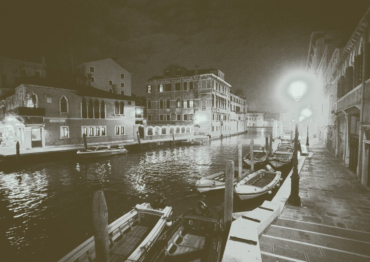JP London MDXL4063PP Prepasted Non Woven Dual Tone Venice Vintage Rustic Night Removable Full Wall Mural at 12 Wide by 8.5 High JP London Design