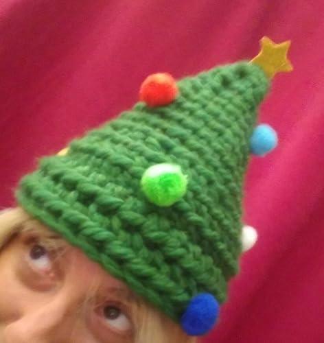 DebbieCi cappello verde di lana a forma di albero di Natale con pon pon e  stellina 8500b4b38819