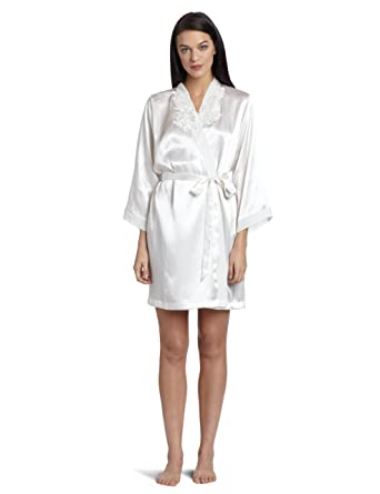 98c739cc58 Cinema Etoile Women s Bridal Short Satin Robe