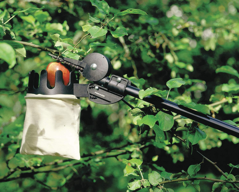 Black//Grey Fiskars 1001562 Fruit Picker