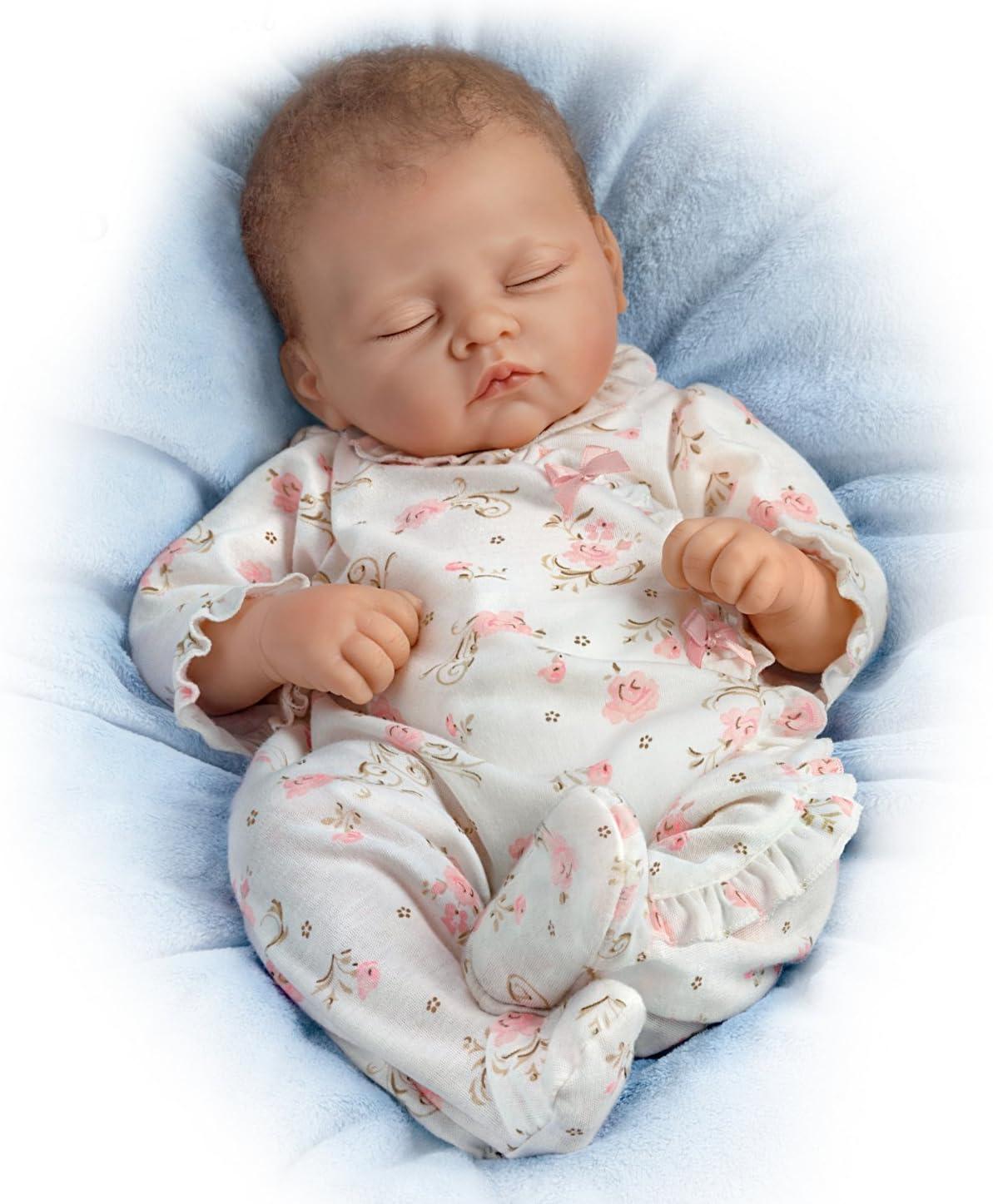 Ashton Drake - Sophia - Muñeca bebé Realista - Sonido de respiración y latidos del corazón - Piel de Vinilo RealTouch: Amazon.es: Hogar