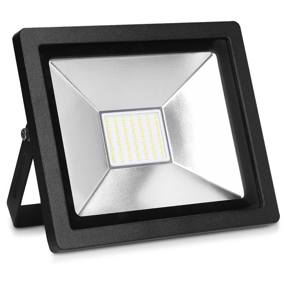 Reflector con cable de 3M para patio jard/ín garaje kwmobile Foco proyector LED de exteriores de 50W L/ámpara LED para interior y exterior