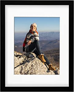 OhGeni 11 x 14 Picture Frame with 8 x 10 Mat for Home Decor, Sturdy Photo Frame Made of Solid Wood, Black Frame with Clear Plexiglass