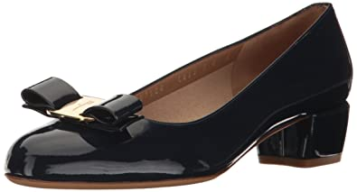 88dcc84c3 Amazon.com  Salvatore Ferragamo Women s Vara  Shoes