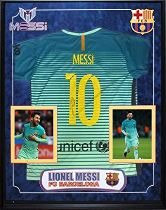 official photos 1b77c e4647 Amazon.com: Lionel Messi Signed Unicef FC Barcelona Jersey ...