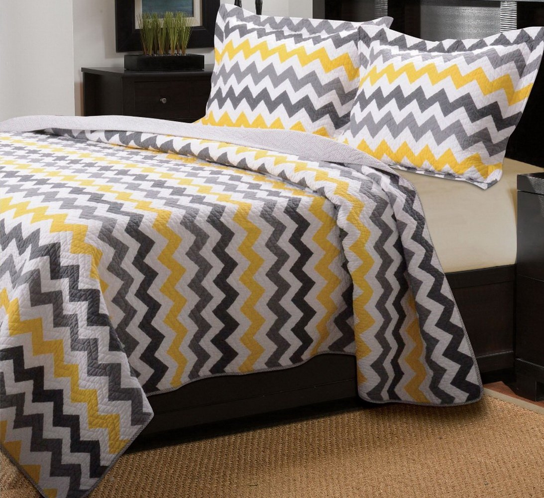 Modern Yellow and Grey/White Chevron Pattern Reversible Quilt Bedding Set King/Cal King