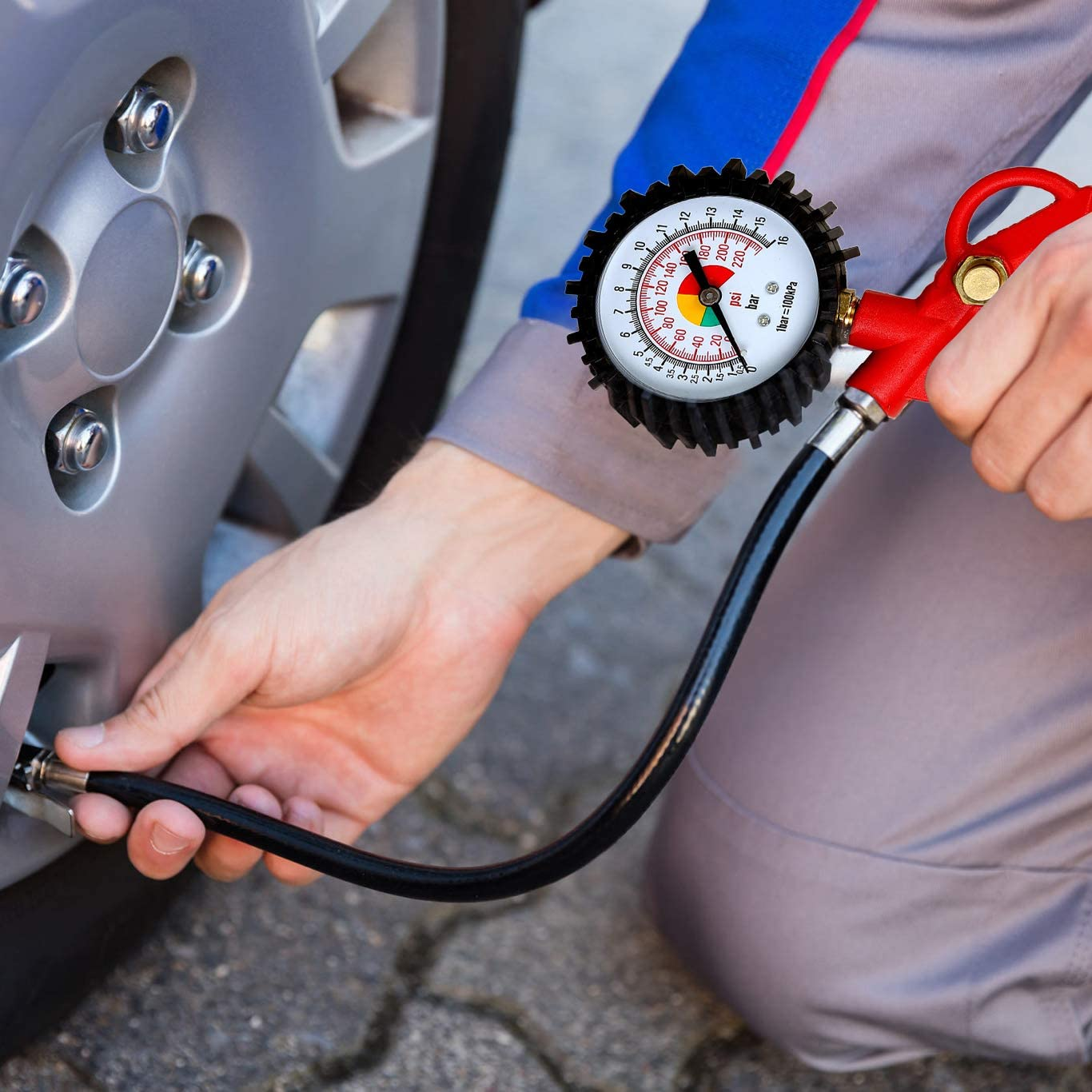 Heavy Duty 230 PSI Luft Tire Inflator with Pressure Gauge and Extension Hose with Air Chuck