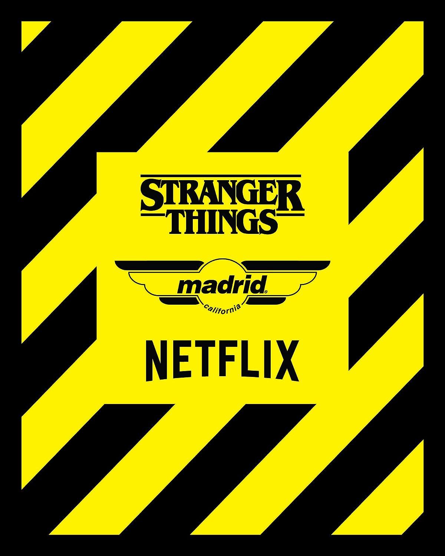 Tabla de skate con r/éplica oficial de Mad Max Explosion Madrid Skateboards x Stranger Things