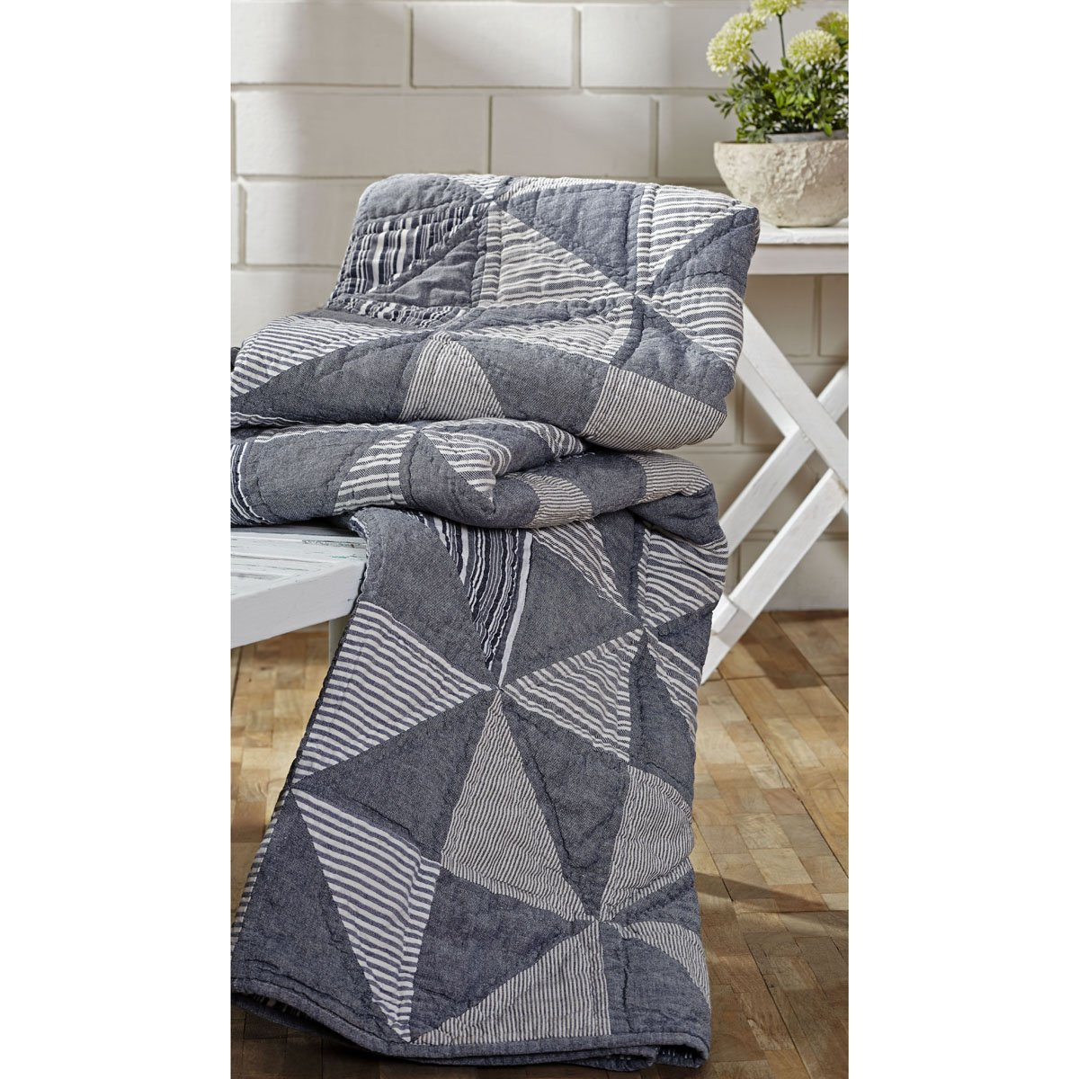 VHC Brands Huron 4'7'' x 5'10'' Quilted Throw Blanket in Blue