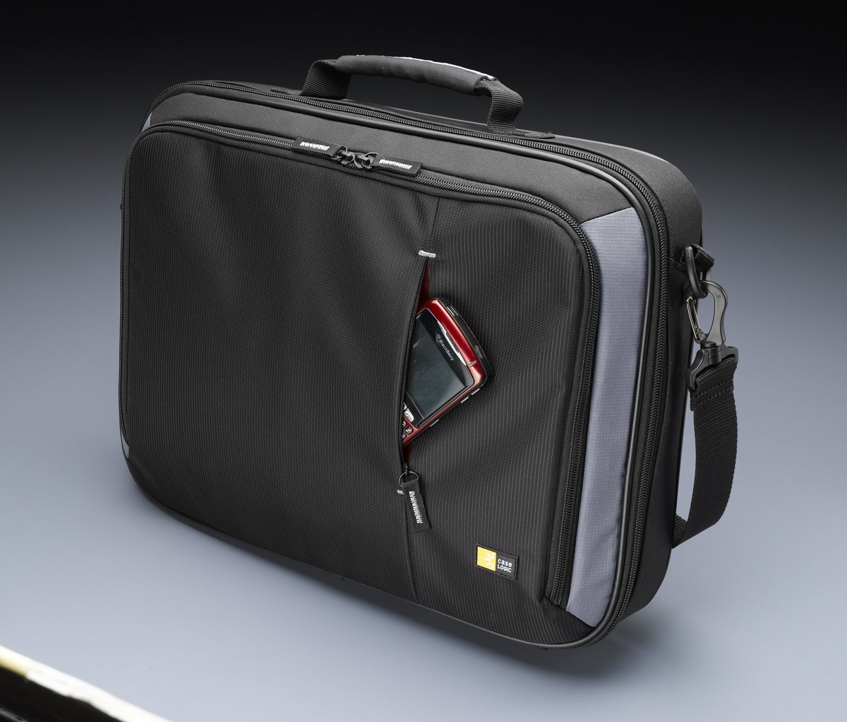 Case Logic VNC-218 18-Inch Laptop Briefcase (Black)