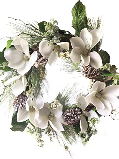 Amazon Com Frosted Winter White Christmas Magnolia Wreath With Pine