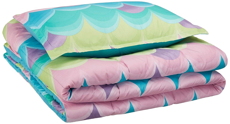 AmazonBasics Easy-Wash Microfiber Kid's Comforter and Pillow Sham Set - Twin, Blue Scallop