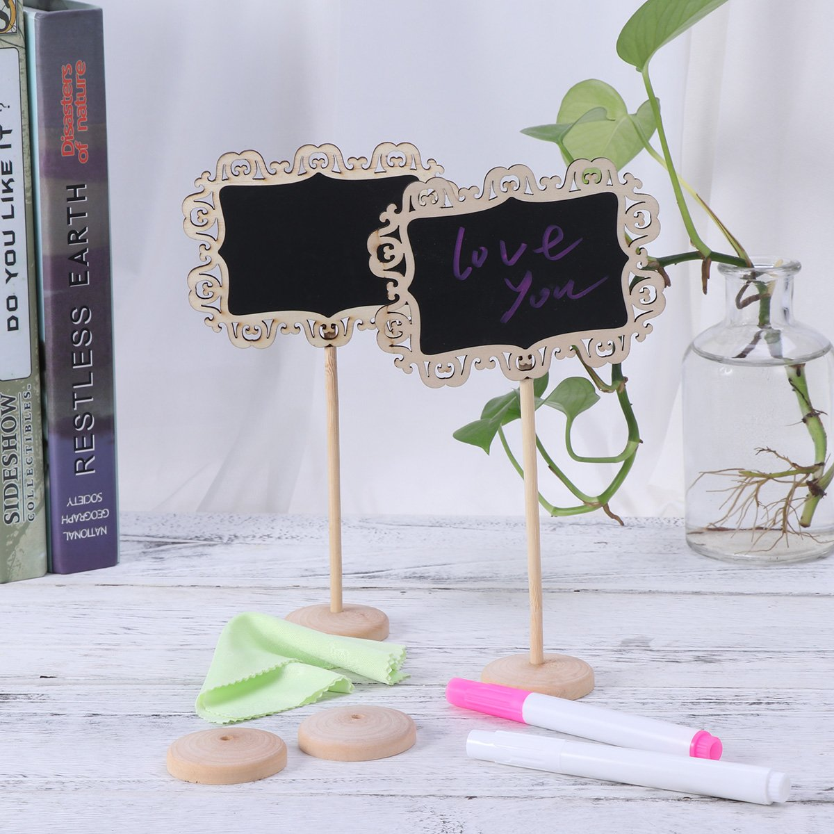TOYMYTOY 8pcs Mini Wooden Chalkboard with Stand Blackboard Sign Place Holder for Wedding Decoration