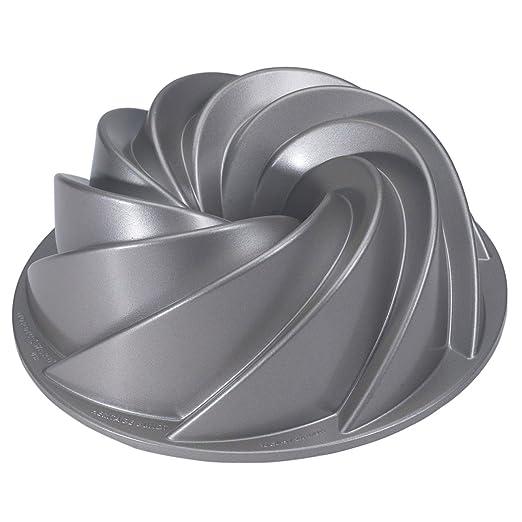 27 opinioni per Nordic Ware Platinum Collection Stampo per dolci- Per ciambelloni, torte,