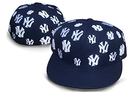 fe34538d36f Amazon.com   New York Yankees TRICK TRADE Fitted Size 7 3 8 All Over ...
