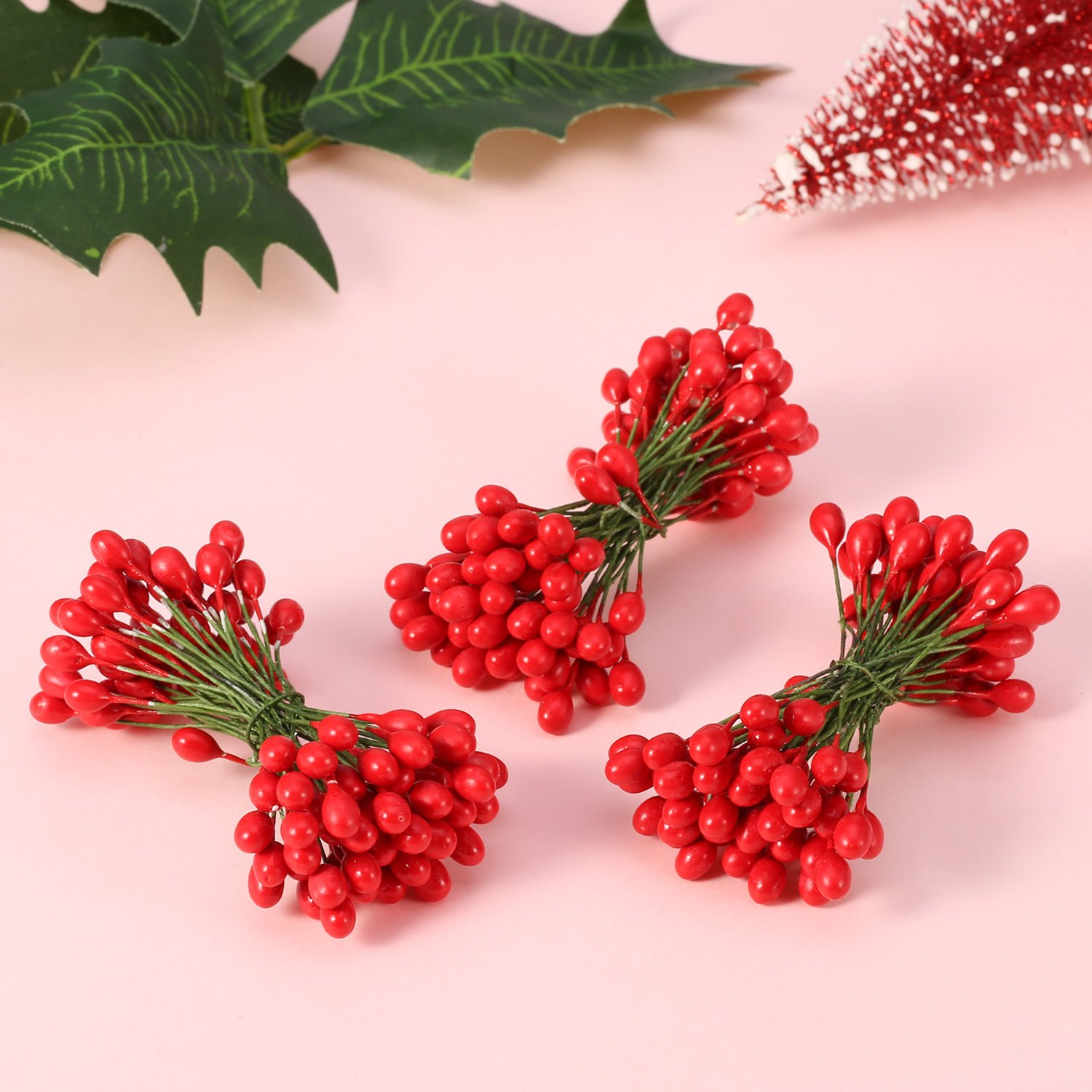 Amazon.com: BBTO 300 Pieces Artificial Holly Christmas Fake Berries ...