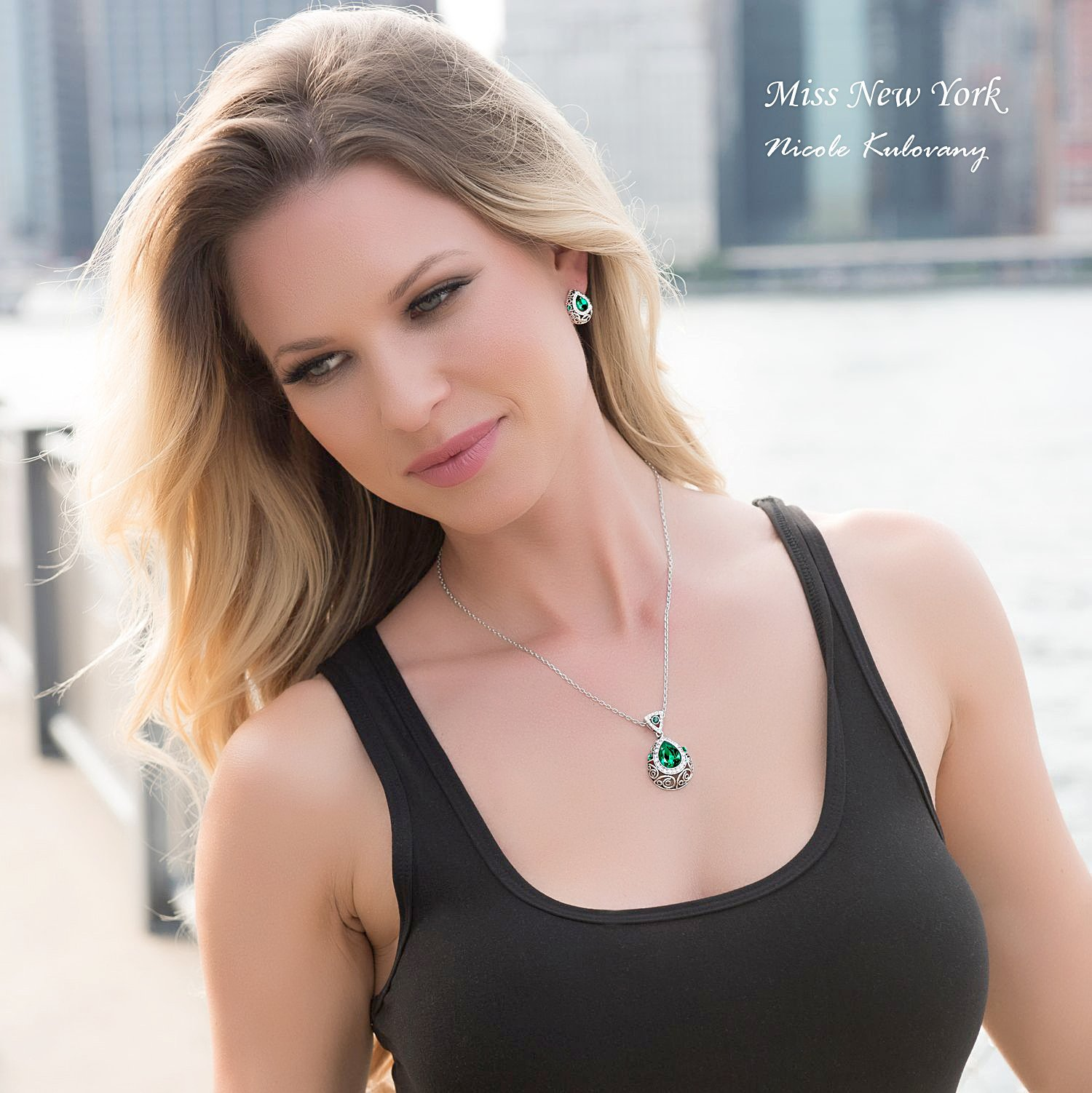 Leafael [Presented by Miss New York] Silver-tone Teardrop Filigree Vintage Style Emerald Green Pendant Necklace Made with Swarovski Crystals Earrings Set, 18'' + 2'', Nickel/Lead/Allergy Box by Leafael (Image #4)