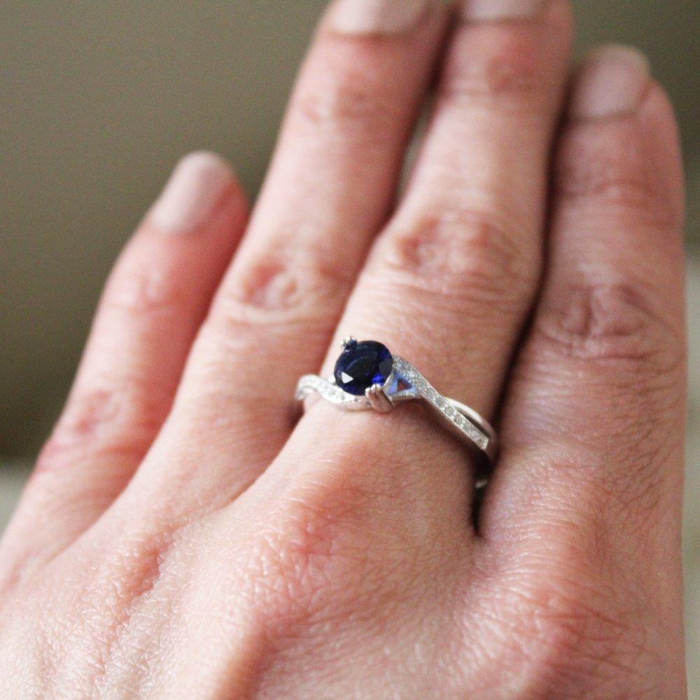 Amazon.com: Round Simulated Blue Sapphire & White Cubic Zirconia ...