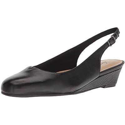 Trotters Women's Lenore Pump | Shoes