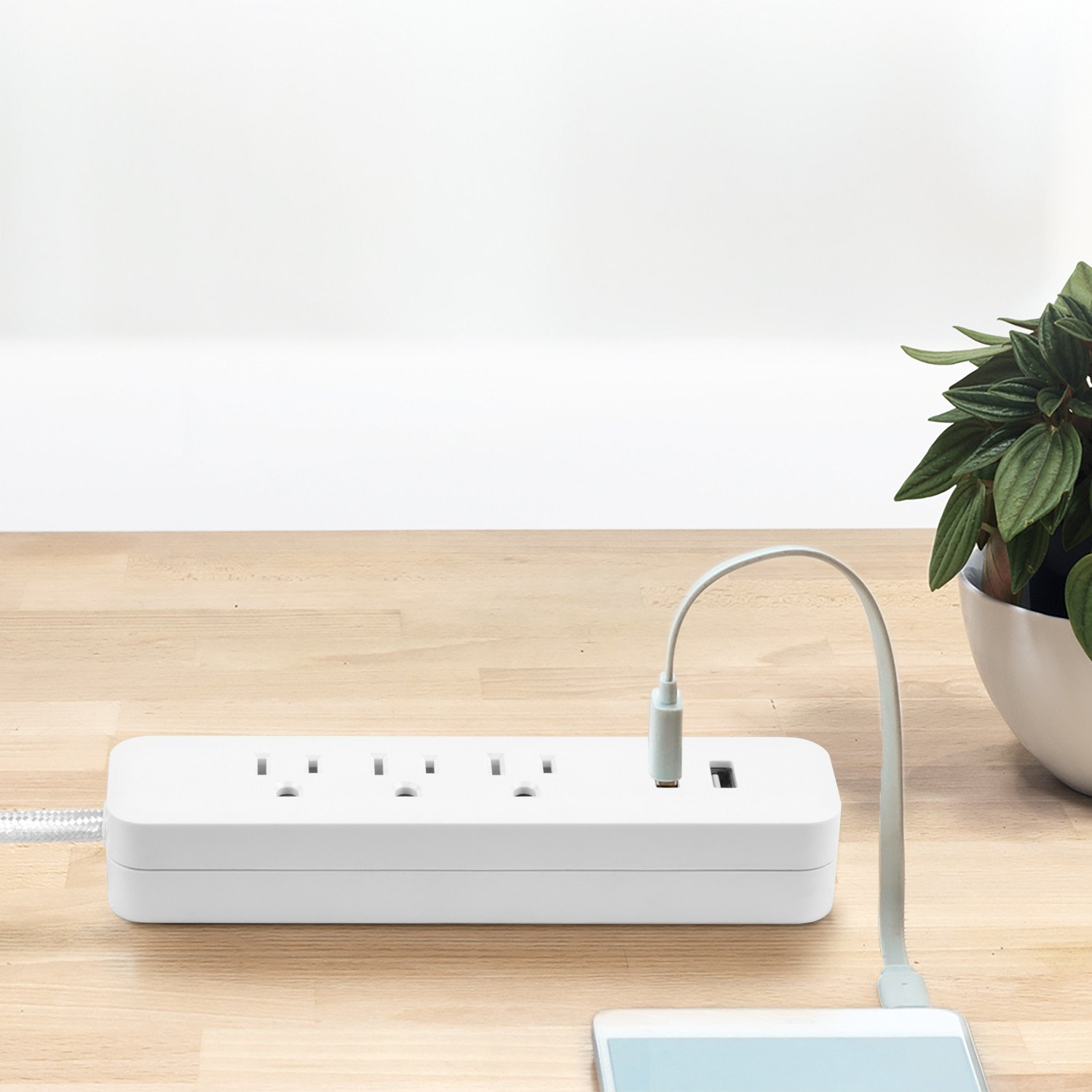 Globe Electric 78251 Designer Series 6ft 3-Outlet Power Strip, 2x USB Ports, Surge Protector Finish, White by Globe Electric (Image #4)